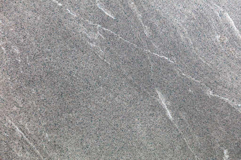 Grauer Marmor von Neubauer Fliesen
