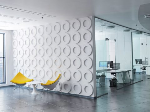 Lobby in Büro mit Fliesen